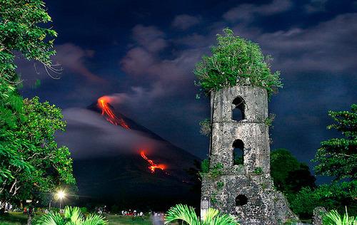 Casagawa Ruins & The Mayon Volcano - Philippines