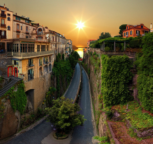 Highway to the Sea, Sorrento, Italy photo via pixdaus