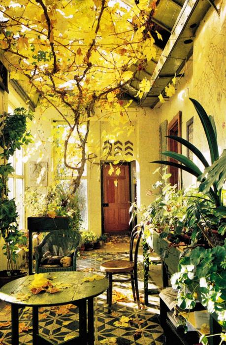 Autumn Sun Room, Greece