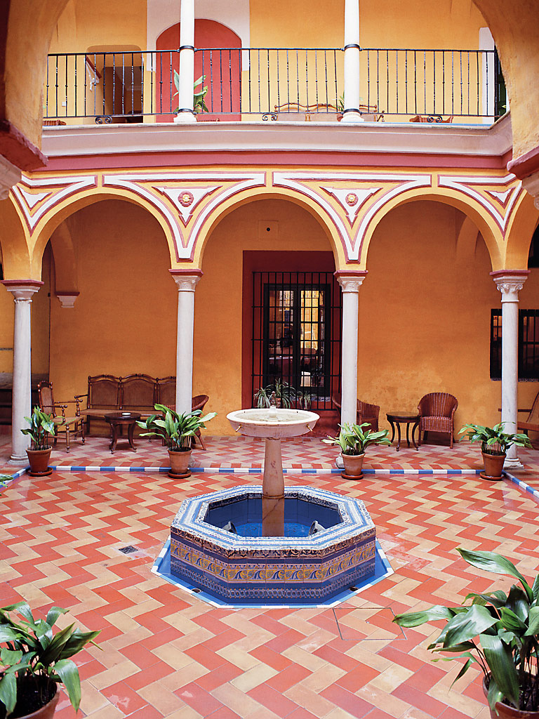 THE-COURTYARD-SEVILLE_SPAIN_1